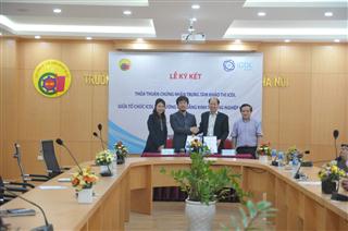 Ký kết thỏa thuận hợp tác và chứng nhận trung tâm khảo thí ICDL tại trường Cao đẳng Kinh tế Công nghiệp Hà Nội